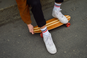 Outdoor-Sports-Equipment-Cruiser-skateboard1-940x625